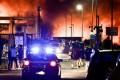 Incendio al Cosmari, allarme per la diossina nell'aria: scattano i prelievi, ansia per i risultati
