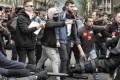 LAVORO: Stop a treni e camion, Francia paralizzata contro la riforma del lavoro