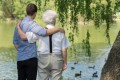 DIRITTO: Il padre anziano può regalare il patrimonio agli amici anziché lasciarlo alle figlie