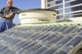 INNOVAZIONE: Come costruire un pannello solare termico fai da te con le bottiglie di plastica